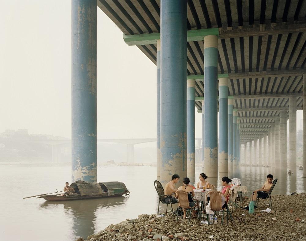 Nadav Kander, Chongqing IV (Sunday Picnic), Chongqing Municipality, 2006