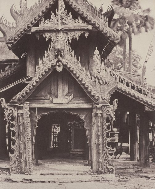 Pugahm Myo: Carved Doorway in Courtyard of Shwe Zeegong Pagoda. August 20-24 or October 23, 1855. Linnaeus Tripe