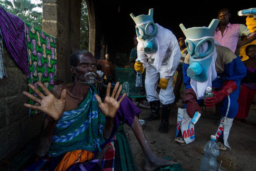 ® Bakary Emmanuel Daou, Le Temps Ebola, 2014