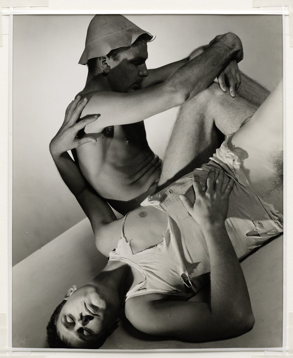 George Platt Lynes Paul Cadmus and Jared French, 1937 © 2018 Estate of George Platt Lynes Courtesy of Soloman R Guggenheim Museum, New York