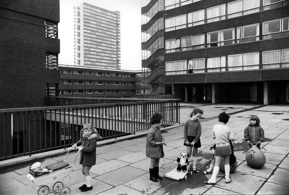 Tony Ray Jones,  Pepys Estate, Deptford, London: children playing on a raised walkway , 1970. Credit: Tony Ray-Jones / RIBA Collections