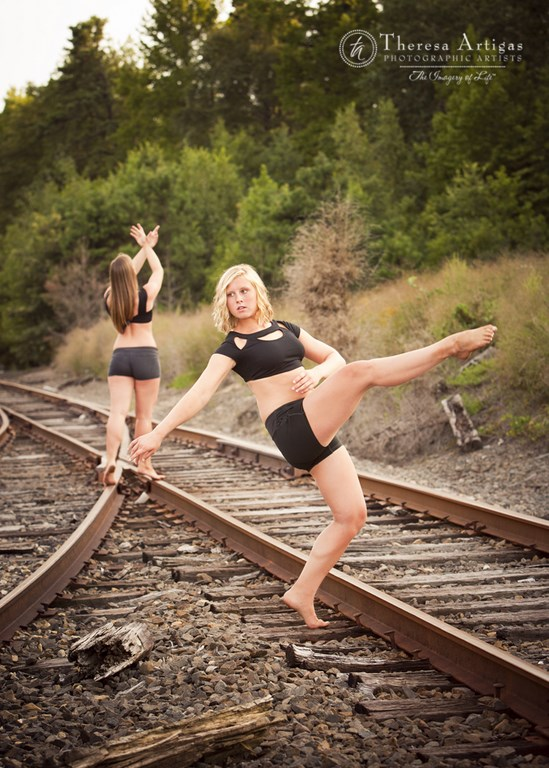 Bent girls dance-033 (Copy).jpg