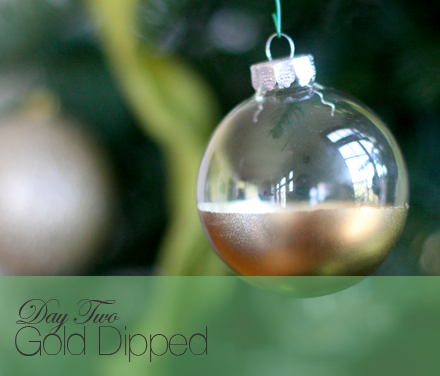 Gold dipped glass ornament DIY   (via  say YES! to hoboken )