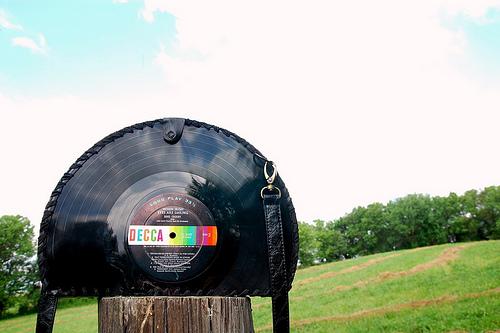 Vinyl Record Purse DIY (via Stars for Streetlights)