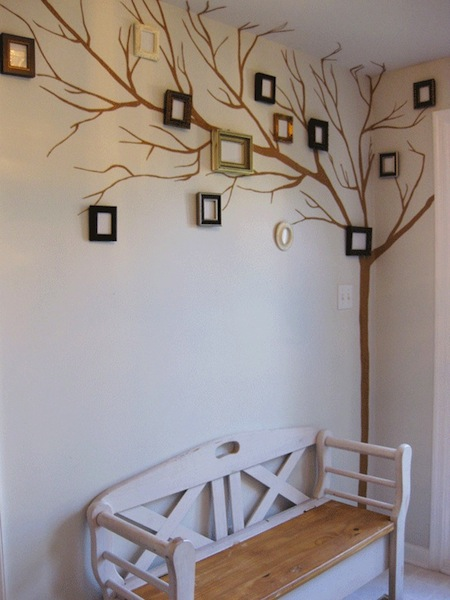 (via  How-To: Picture Frame Family Tree @Craftzine.com blog )