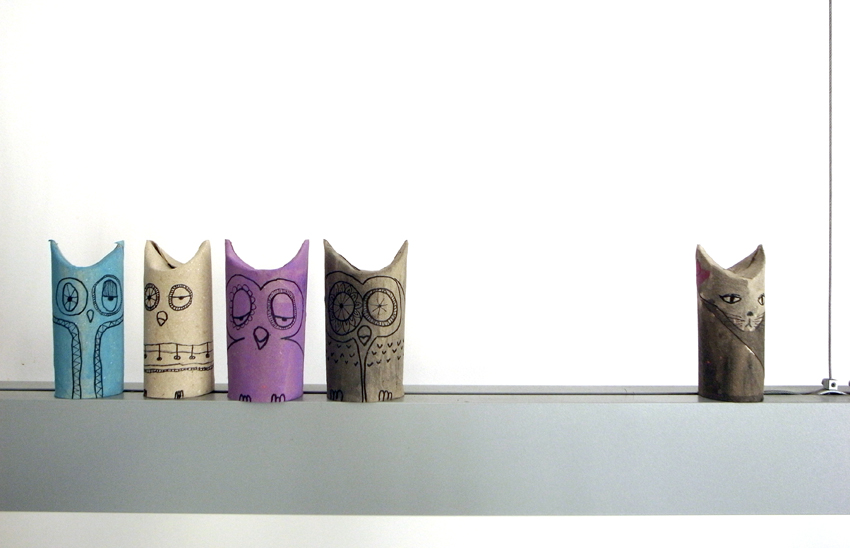 Toilet paper creatures! I might have to stock up on cardboard rows before my Marthas Vineyard trip - these are too cute not to make!    (on  El Hada de papel )