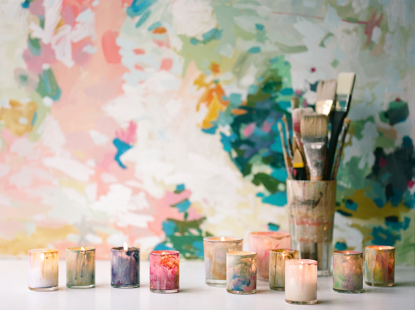 Curbly is rocking out with the projects! These would look so pretty at a night time wedding. (via DIY Colorful Painted Votives » Curbly | DIY Design Community « Keywords: DIY, glass, Candles, Craft)