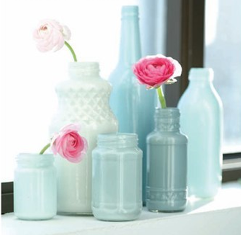 Super Simple (and CHEAP) Vase & Bottle Makeovers » Curbly | DIY Design Community « Keywords: Makeover-Mondays, recycle, glass, bottles