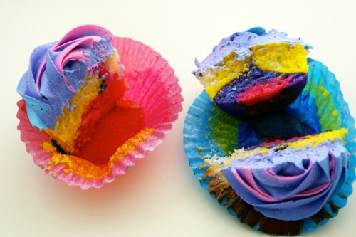 Things, stuff, life, it's the weekend, & so forth, etc. - Home - Where the Lovely Things Are    Tie-Dyed cupcakes saved my producing butt once.