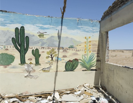 Photo Booth: Postcard from the Border: David Taylor : The New Yorker