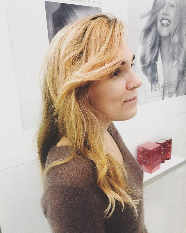 Интересно, сколько блондинок среди наши подписчиков? . Блондинки ставьте 🙋🏼♀️ . На фото работа #мастер_варлан_людмила #инвог_окрашивание #invogue_hair_coloring