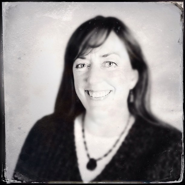 Guest Book Series: Jayne Donnelly, Fearless Connections #guestbookseries #ashlandoregon