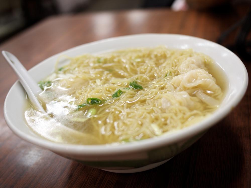 FOOD-Noodles_2011-09-08_19-41-23_P1040509_©JosephLinaschke2011.jpg