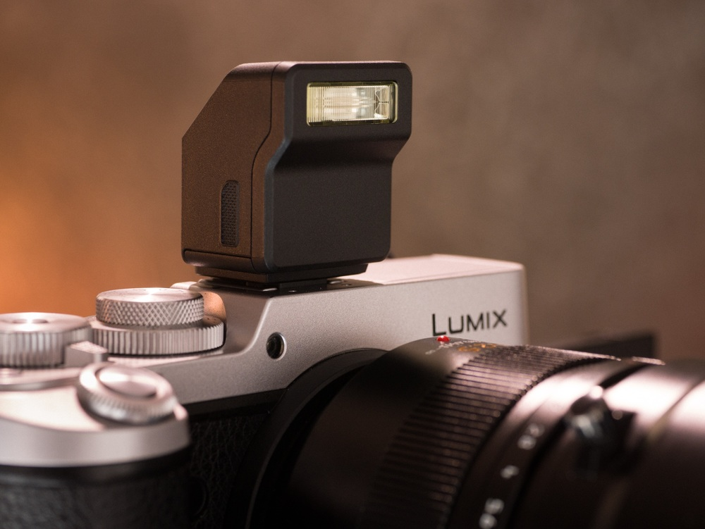 The LUMIX GX8 sporting the LX100 camera's tiny flash