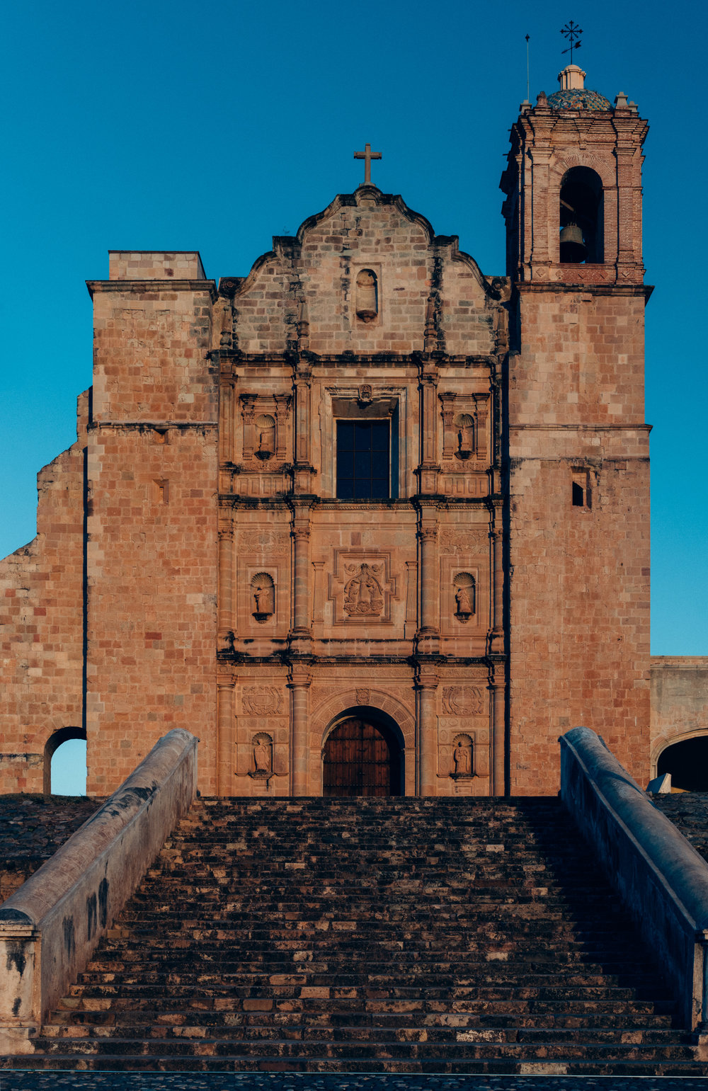 The Templo y Ex-convento de Santo Domingo (Temple and former convent of Saint Dominic), in Yanhuitlan, Oaxaca.