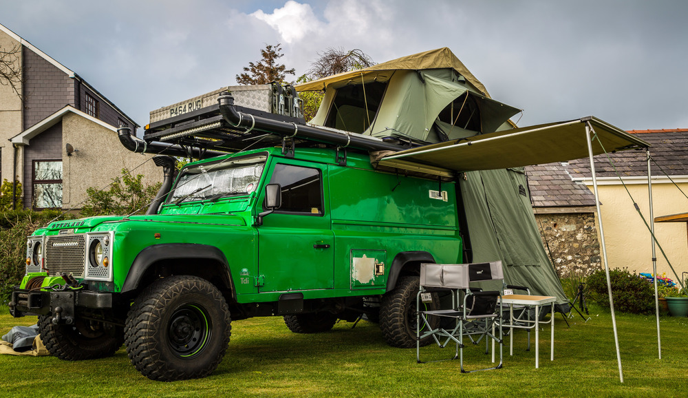 The old setup was a little too lightweight to stand up to overlanding. With so much on the roof, including 70L of water it also compromised handling.