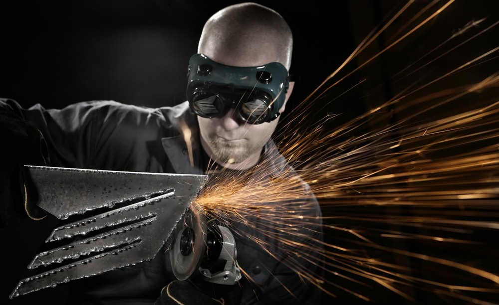 Elements  18 welder www spyglassphoto com.jpg