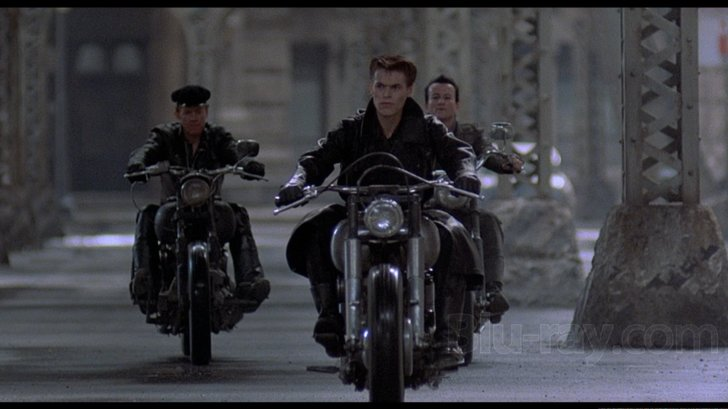 willem_dafoe_motorcycle.jpg