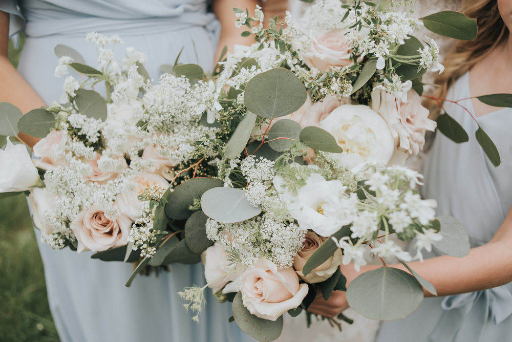queen anne's lace wedding bouquet.jpg