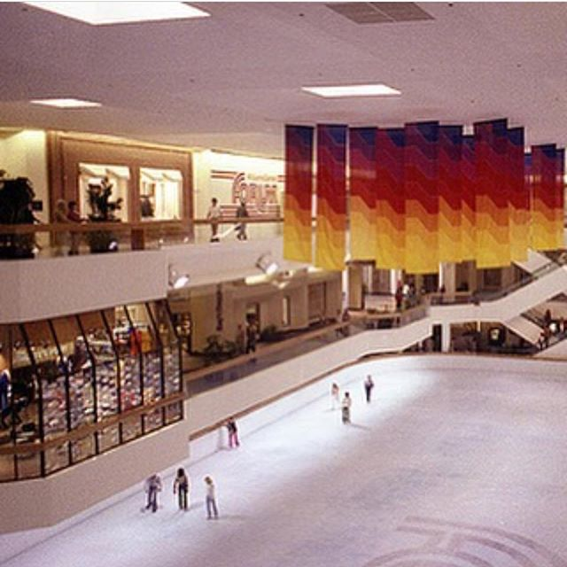 Who remembers skating downtown at the Williams Center? ✋🏼 #tulsa #throwbackthursday #tbt