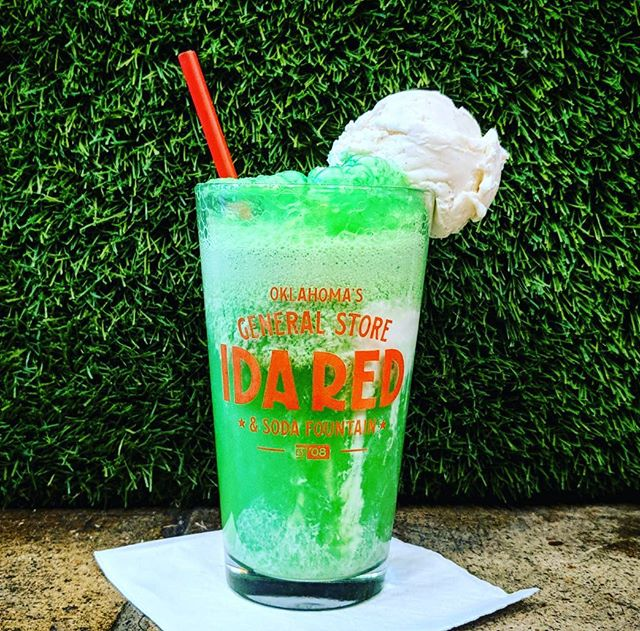 Missing summertime? Come grab a Green River float and drift back to a simpler time with the sweet taste of lime soda and vanilla and cream cream!! 💚💚💚💚💚 208 N. Main St.