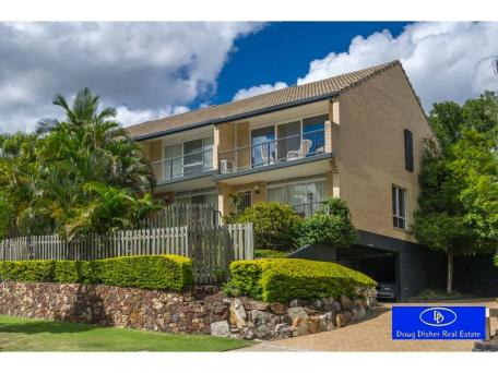 4/81 sandford street, st lucia. sold for $524,000
