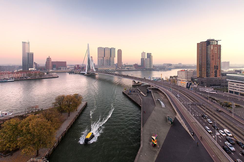 Claireonline_Skyline_Rotterdam_Erasmusbrug_CD.jpg