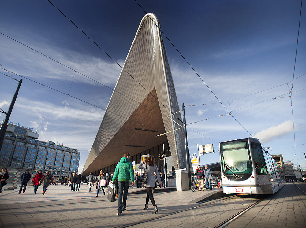 Claireonline_Rotterdam_CS_tramhalte_CD.jpg