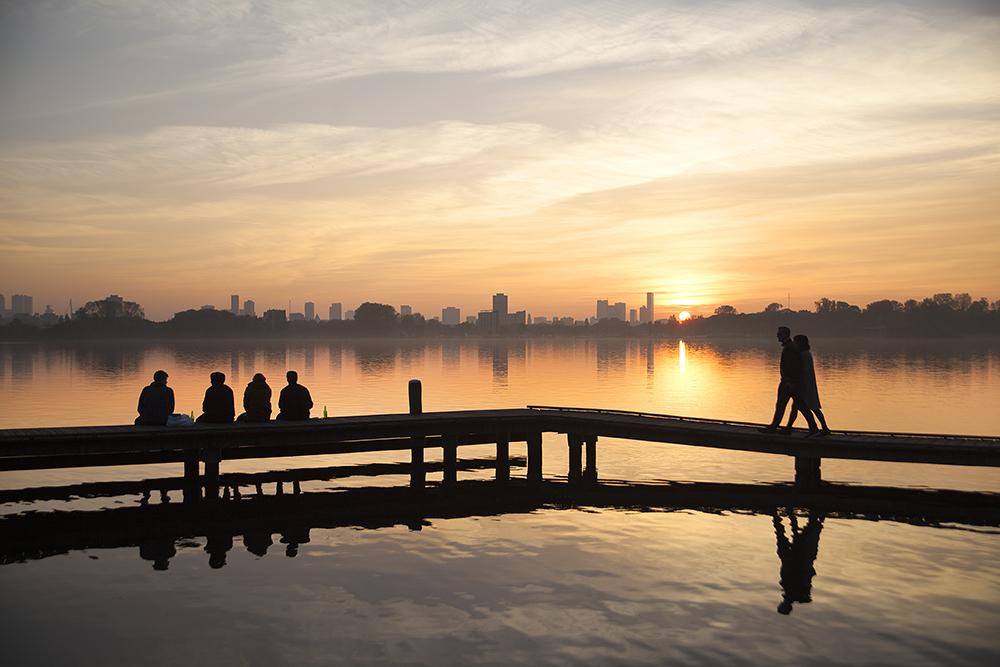 Claireonline_sunset_kralingse_plas_CD.jpg