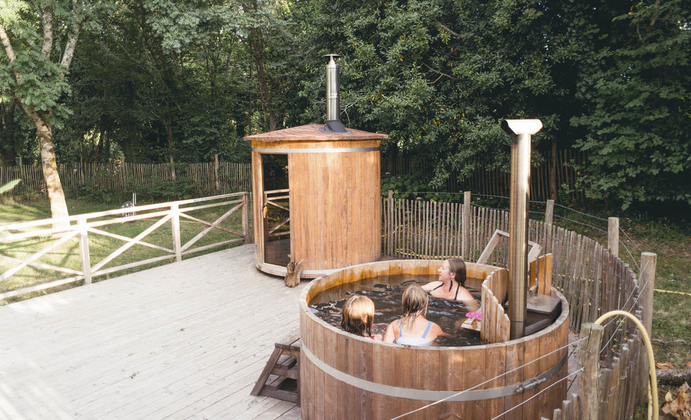 The hot tub and sauna, ideal for a cold or rainy day.
