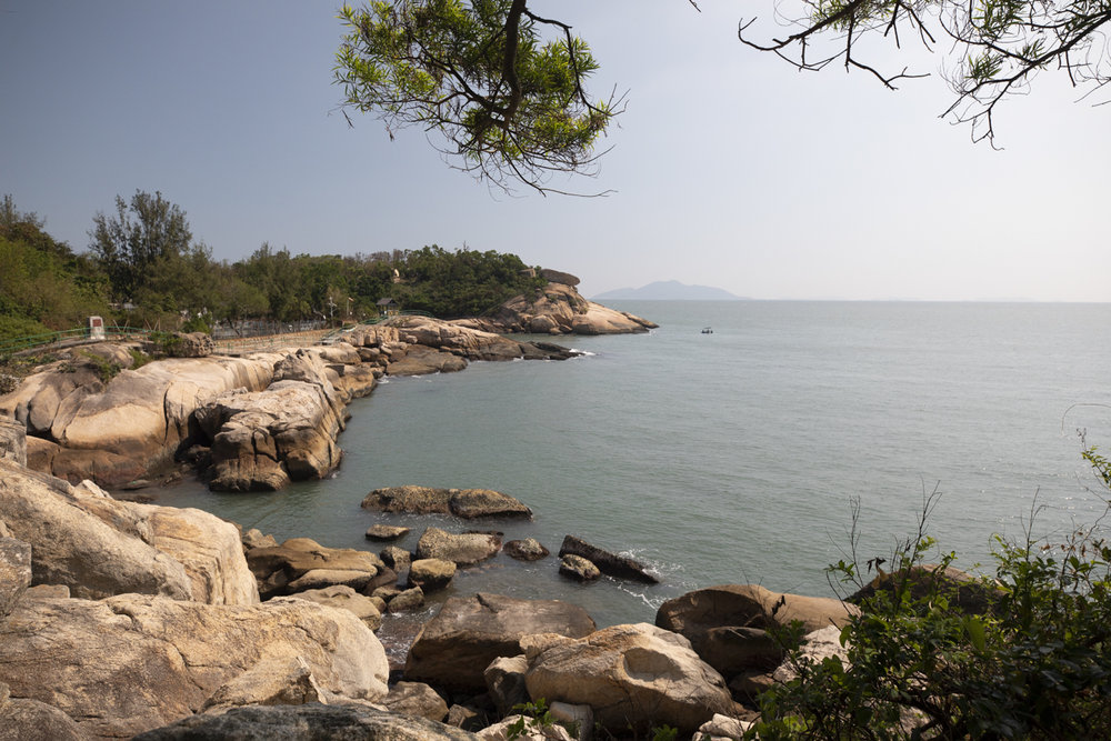 It is nice to walk around the island, or visit the Cheun Po Tsai Cave
