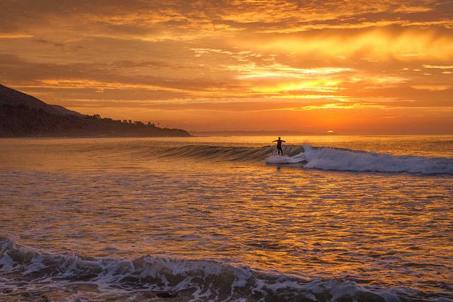 Sunrise_Over_Point_Dume.jpg