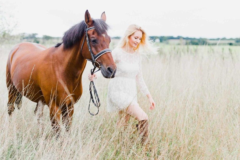 Charlotte & Ponies Compressed-83.jpg