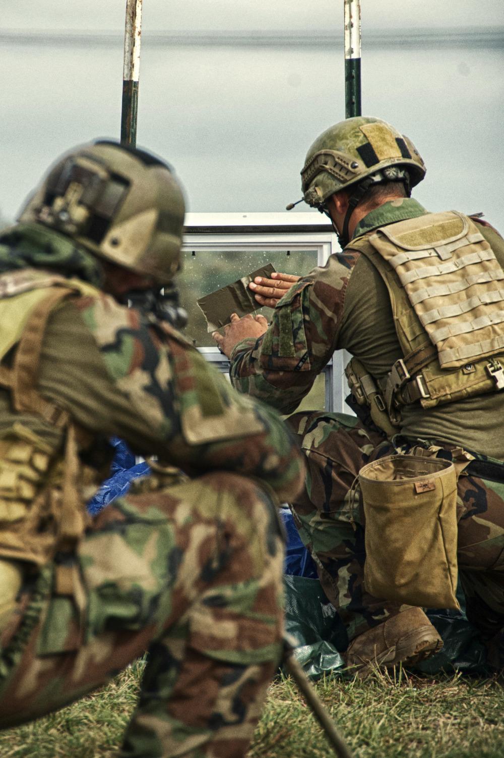 US MARSOC Marine Raider Regiment - Units - Armaholic