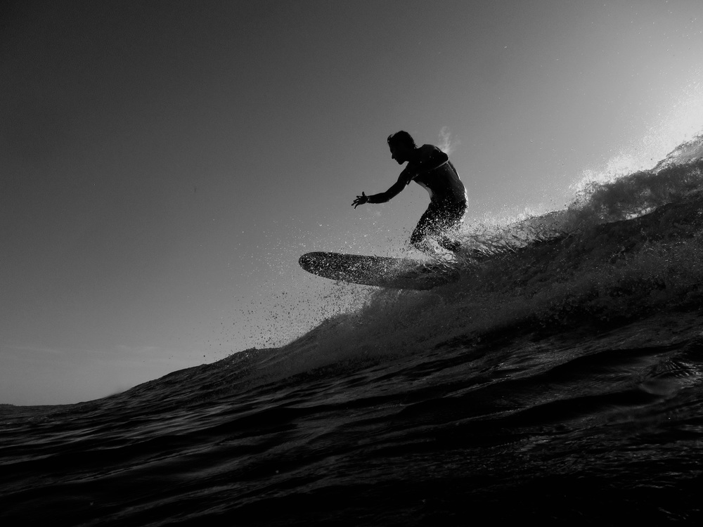 surfer_on_the_lip_BW.jpg
