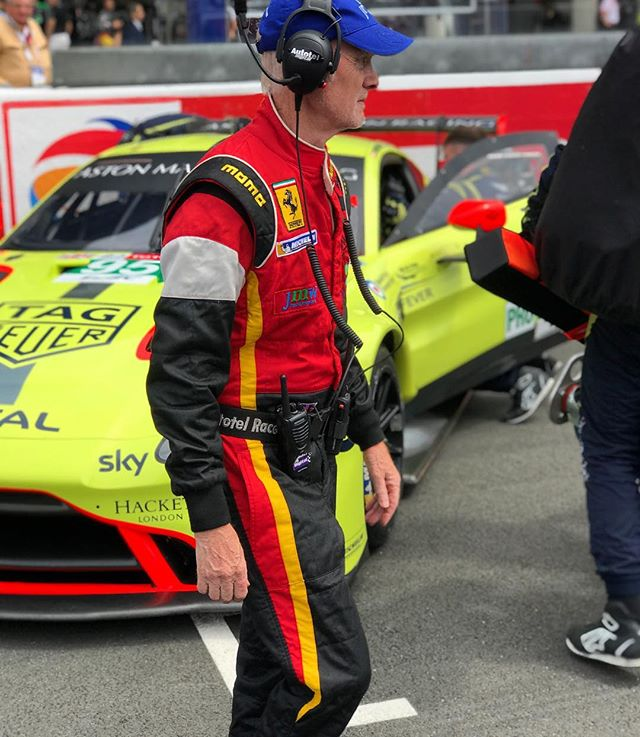 Long serving team entrant and Le Mans victor, Jim McWhirter eyes up the competition on the grid. . . #lemans24 #jmwmotorsport #astonmartin #vantagegte #vantage #ferrari #lm24 #24lm