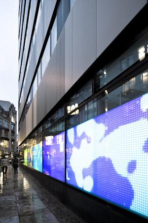 Außenansicht der Science Fassade in der Taubenstraße.