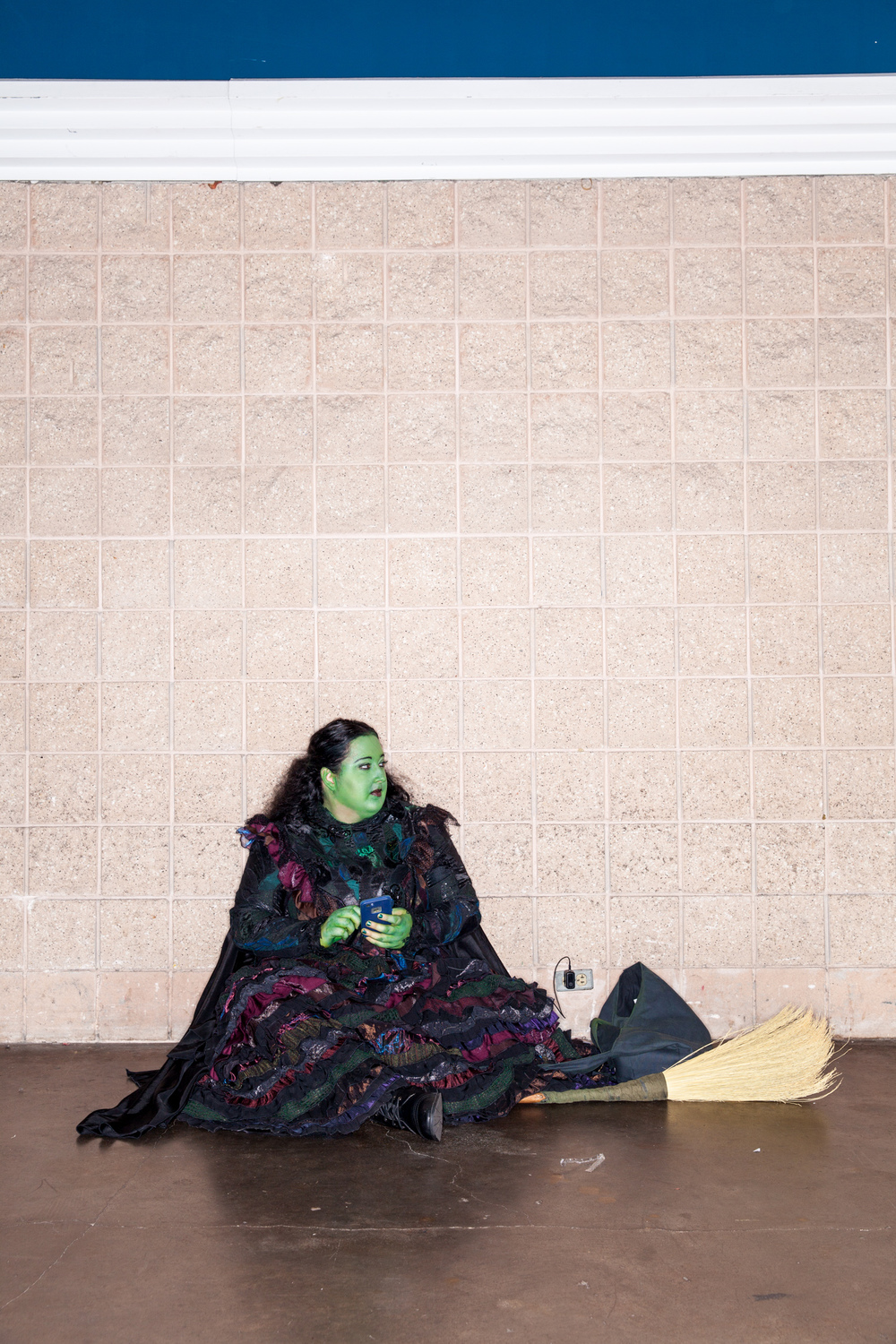 wizard of oz comic con wicked witch rest