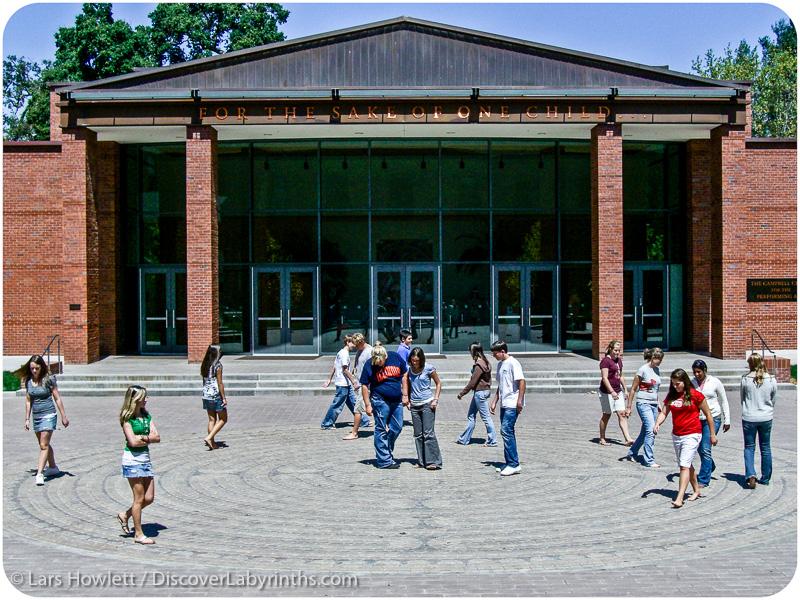 Labyrinths-in-schools.jpg