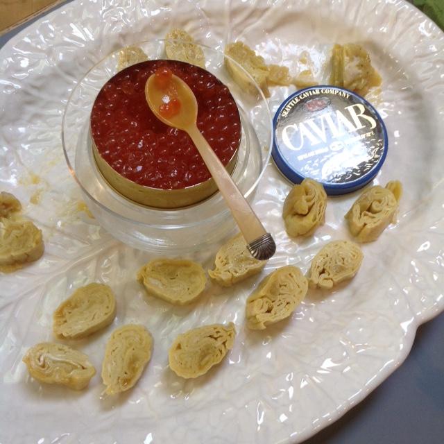 Tamago-yaki Ikura (Japanese Omelet with Salmon Roe)