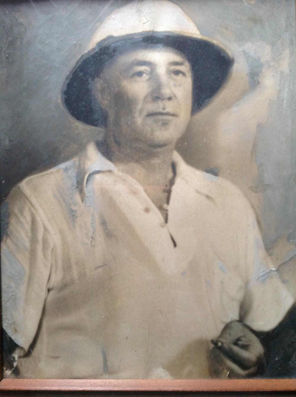 1930s? Papa.jpg