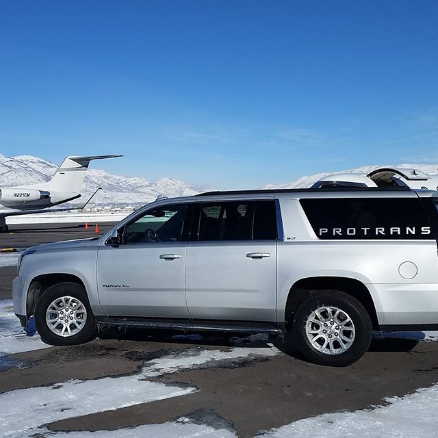 Traveling to Park City in style? We'll meet you on the ramp! Book your reservation today. Link in our bio. #skiutah #visitparkcity  #ok3air #deervalley #parkcity #skihive #parkcitymountainresort #visitutah #lifeelevated #luxurytravel #pcski