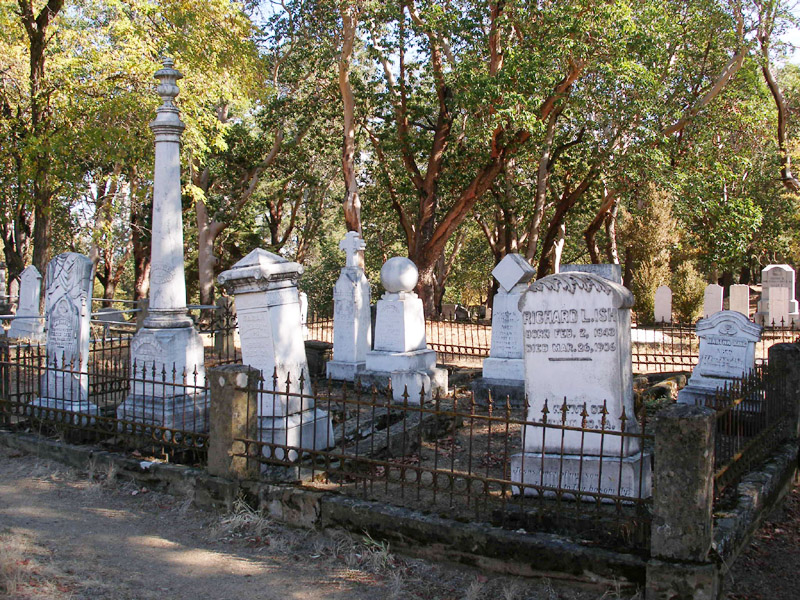"Jacksonville cemetery - Themed tours offered 2nd Saturdays, May - September.  ""meet The Pioneers"" in October."