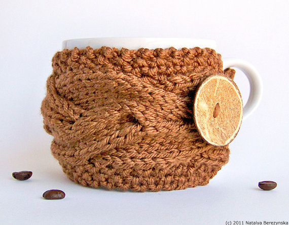 Tea cup cozy in caramel.