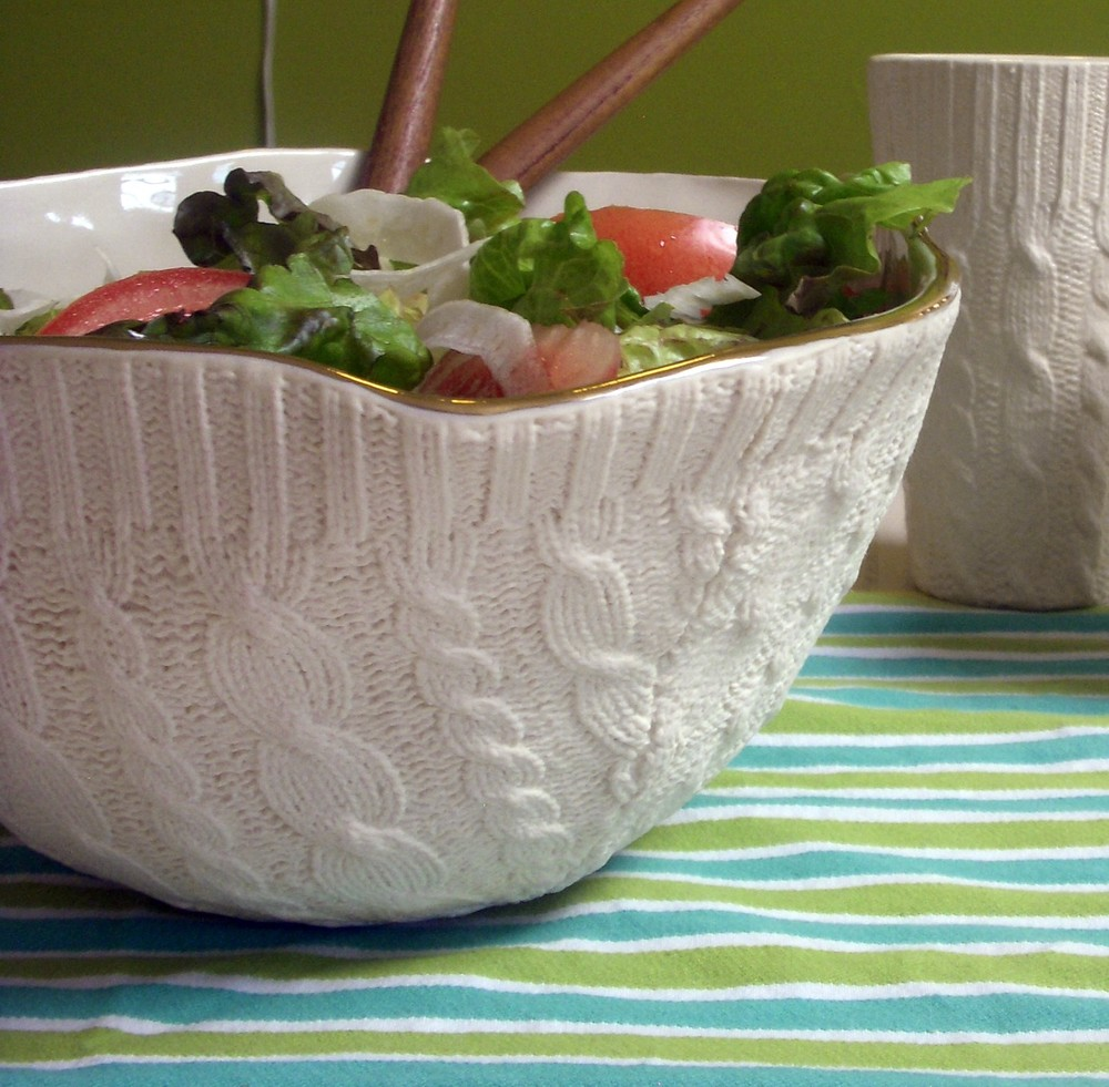 This serving bowl would be a beautiful addition to a winter dinner party. It even has a 16K gold trim.