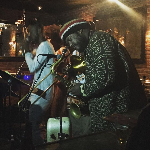 Kamasi Washington y'all! This past Saturday at #pianoBar #LA vibin' with the coolest of cats @mingointhedance @theapexwon 🎶🎷🎩🎺 #jazz #spritualthang #musicforyoursoul