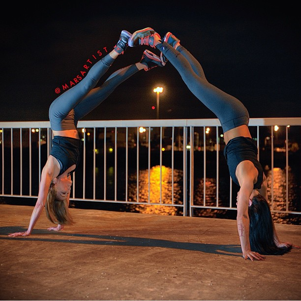 Putting my Crimsons up  w/@aubrymarie ☺🔺🔺🔺  #nightyoga Crosby Pier SD✨ {#jordan3s Bright Crimson}  [photo by @mehlitron]  pants by @origprop