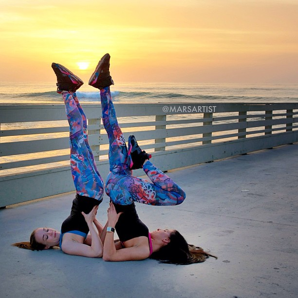 Make your own sun shine! ☀😊  w/ @aubrymarie on the pier at sunset 🌅 #retrojordans {Air Jordan retro 6 GS black/pink flash marina blue}