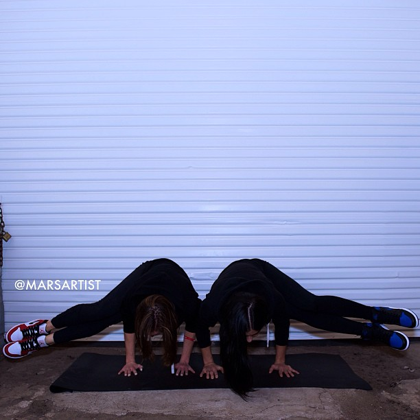 Now freeze! Check the 1's ✨Side Crow: Yoga Breakdance💫w/ @aubrymarie {royal 1's & chicago 1's} [photo by @mehlitron]