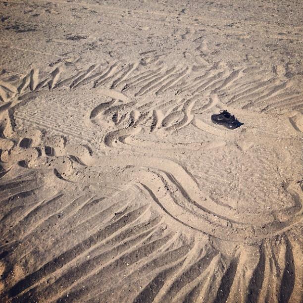 Sudden inspiration -still life Air Max: shoe on sand #marsartist